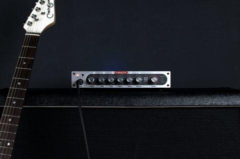 把所有經典的吉他音箱,通通裝進一個神奇的小盒子! Positive Grid 超強軟硬體整合,推出BIAS MINI音箱頭