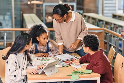 Surface全系列裝置為新世代教學打造智慧教室