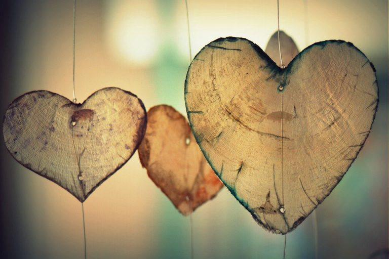 遠距工作,就像遠距戀愛。(圖片來源:pixabay)