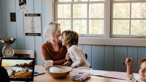 Airbnb 推母親節精選線上體驗!用雲端旅遊歡度佳節