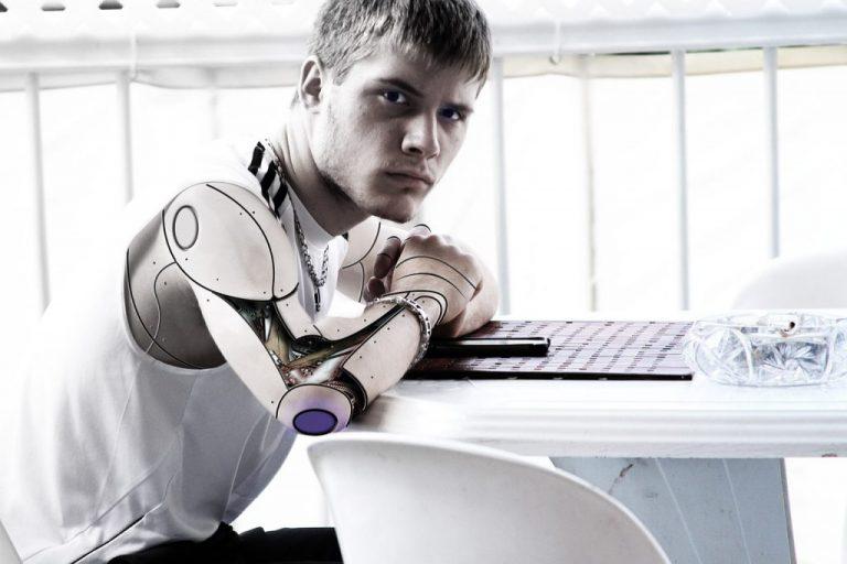 機器人會消滅人資和行政?(圖片來源:pixabay)