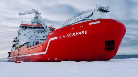 在教室與南極的海上探險隊一同認識世界?只有Zoom做的到