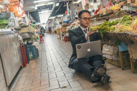 未來靠手機就能種菜,台灣農業為何還不數位轉型? 數位賦能專家:有三好三壞